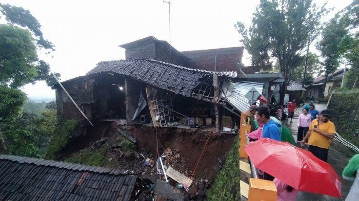 15 Rumah Warga di Jambu Kabupaten Semarang Rusak Berat Terdampak Longsor