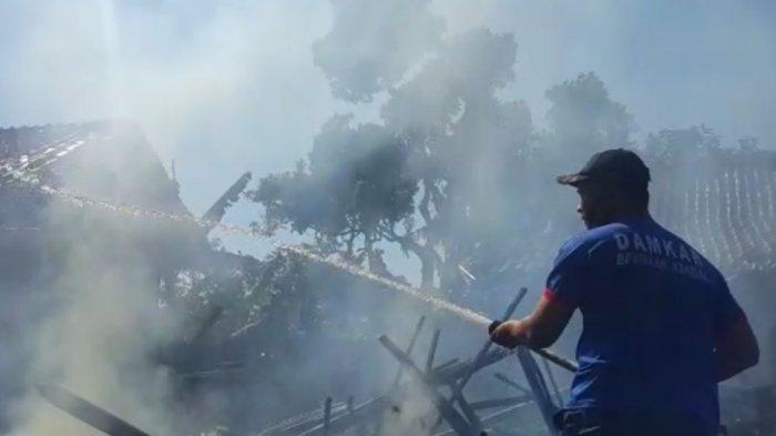 Rumah Warsi di Pageruyung Kendal Ludes Terbakar