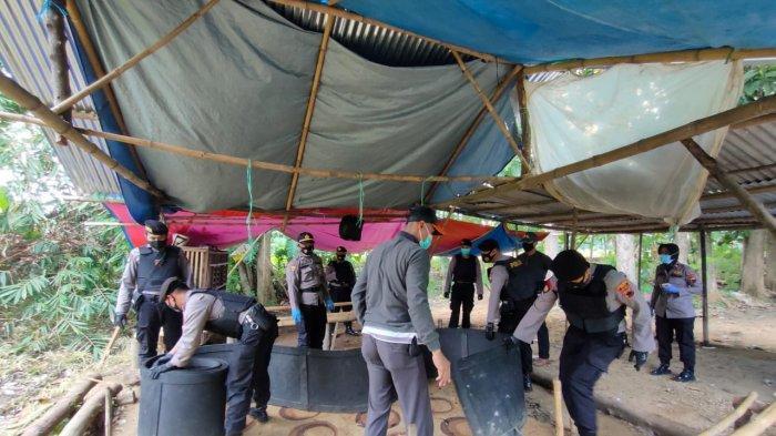 Polisi Gerebek Lokasi Judi Sabung Ayam di Pati