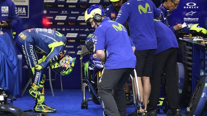 Kode Pensiun dari MotoGP? Rossi Disebut Tak Lagi Nyaman Berada di Pitnya