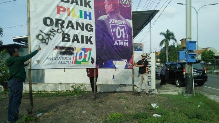 APK Caleg Pendukung Jokowi-Ma'ruf di Tegal Dicoreti Tulisan PKI