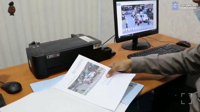 450 Pengendara di Kudus Terekam CCTV Langgar Lalu Lintas, Rata-Rata Tak Pakai Helm dan Bonceng Tiga