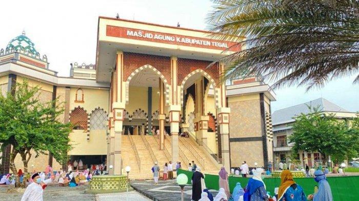 Pesan Khatib Salat Id di Masjid Agung Kabupaten Tegal: Sesama Umat Harus Saling Memaafkan