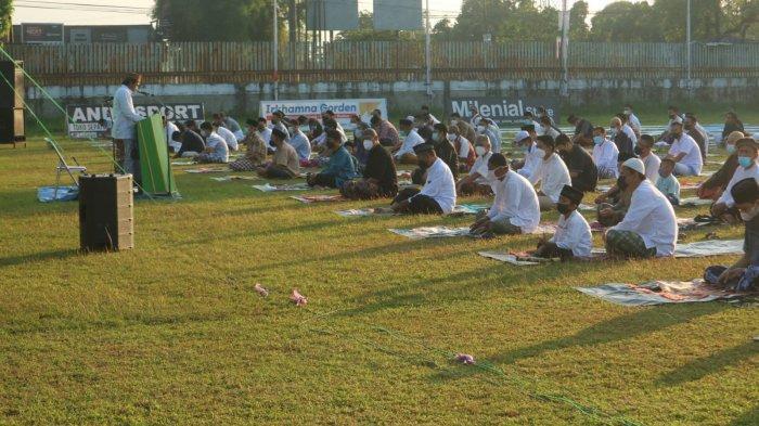 Ratusan Orang di Kudus Gelar Shalat Idul Adha di Lapangan, Meski Kasus Covid-19 Sempat Tinggi