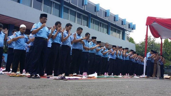 Alami Krisis Air, Pegawai PDAM Tirta Moedal Kota Semarang Gelar Salat Istisqo