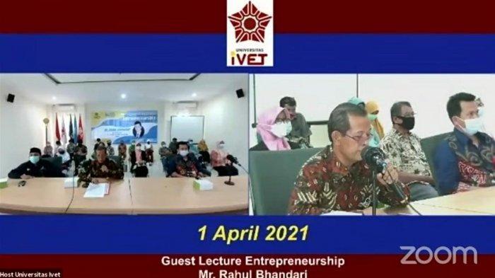 Rektor Universitas Ivet Prof Dr Rustono memberikan sambutan dalam kegiatan perkuliahan dosen tamu di ruang auditorium Universitas Ivet