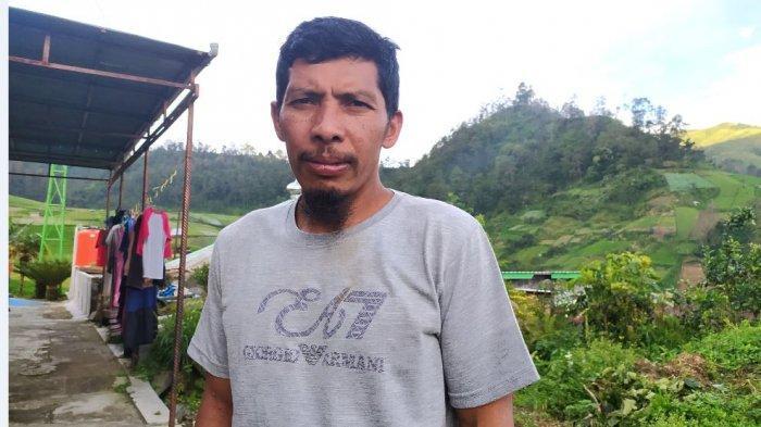 Jika Warung di Gunung Lawu Ramai, Samin Bisa Angkut Barang Sehari Dua Kali