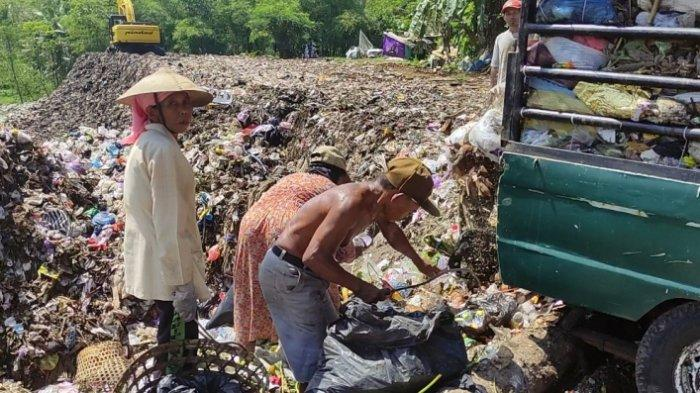 15 Tahun Jadi Pemulung di Tempat Pembuangan Akhir, Murtinah Tetap Semangat Bekerja meski Pandemi
