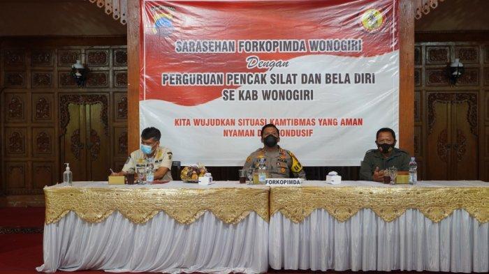 Forkopimda Sarasehan Dengan Perguruan Silat dan Bela Diri Kabupaten Wonogiri