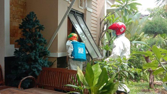 Tim Relawan Sarda Jateng saatakan mengevakuasi korban meninggal dunia di kawasan perumahan Beranda Bali RT 5 RW 4, Kelurahan Pesantren, Kecamatan Mijen, Kota Semarang, Sabtu (21/11/2020). (Istimewa)