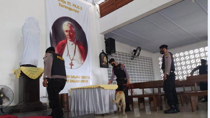 Polres Karanganyar Lakukan Sterilisasi Gereja-gereja Jelang Perayaan Paskah