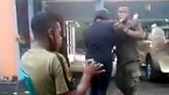 Sreenshot Sebuah video yang menampilkan anggota Satuan Polisi Pamong Praja (SatPol PP) berdansa ria dan meminum minuman keras di sebuah kantor di Kota Ende, viral di media sosial. (TANGKAPAN LAYAR VIDEO)