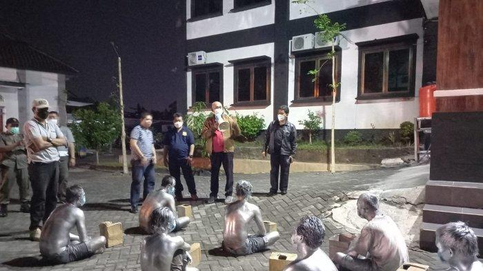 Satpol PP Semarang Tangkap 14 Manusia Silver: Ngomongin Zaman Susah, Ya Semua Susah