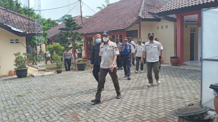 Kepala Satpol PP Jateng Cek Prokes PTM Sekolah di Batang