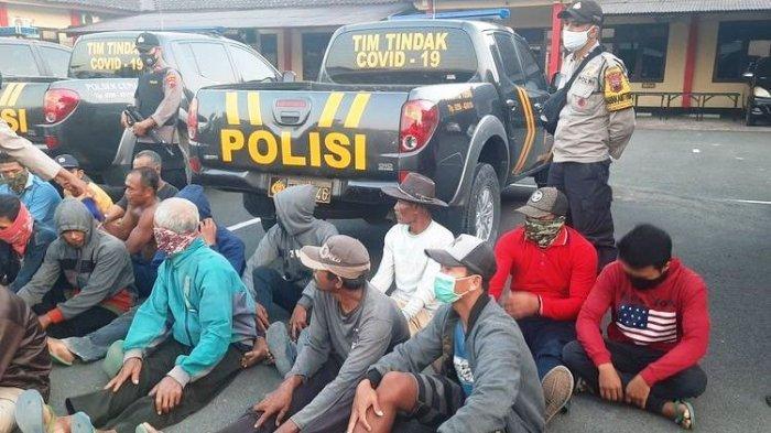 Sebanyak 24 terduga penyebar selebaran berbahasa Jawa diamankan di Mapolres Blora, Rabu (11/8/2021)
