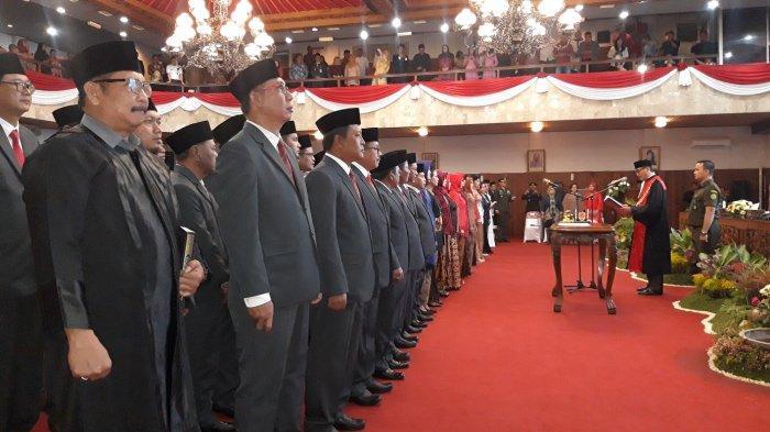 Pelantikan 50 Anggota DPRD Kota Semarang, Ini Anggota Dewan Termuda Merupakan Putra Soemarmo