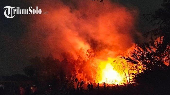Terjadi Kebakaran Pabrik di Solo Hari Ini