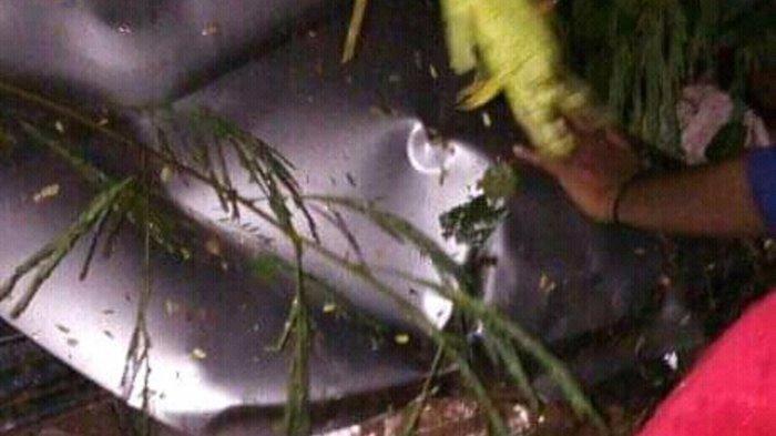 Kecelakaan di Tol Pekalongan, Mobil Livina Alami Aquaplaning Tak Lama Kemudian Tabrak Pembatas