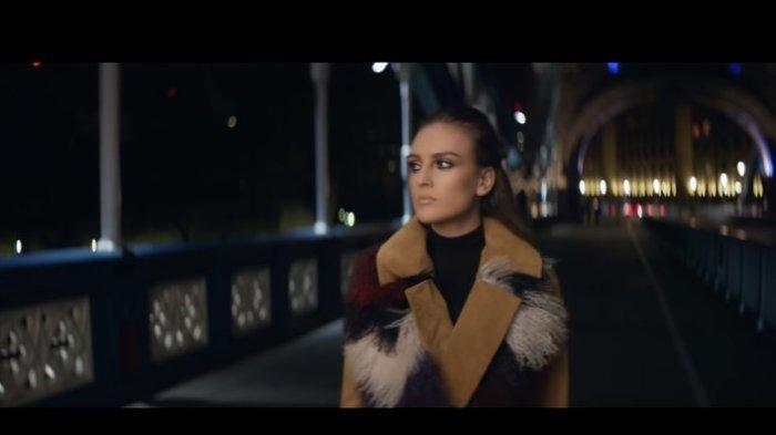 Chord Kunci Gitar dan Lirik Secret Love Song Little Mix, Why Can't You Hold Me in The Street