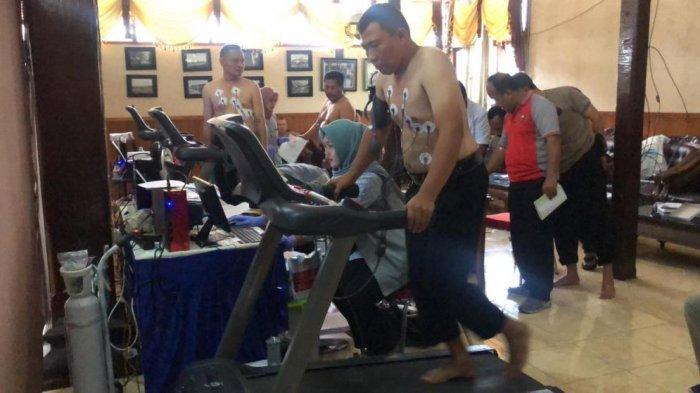 Cegah Munculnya Penyakit Kronis, Ratusan Anggota Polres Salatiga Jalani Pemeriksaan