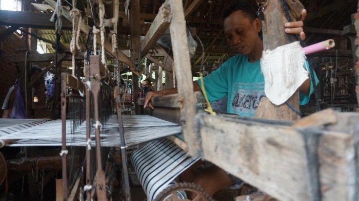 Dampak Corona, Pengrajin Tenun Desa Cepagan Batang Terpaksa Gulung Tikar