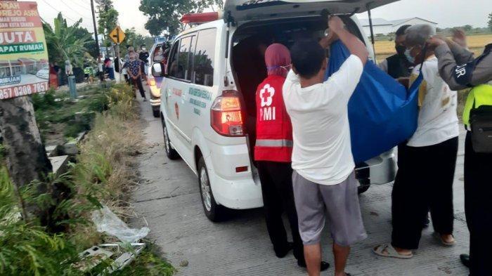 Relawan Angkat Jenazah Heri Fendi Suryanto, Pemotor Vixion Kecelakaan di Sragen: Warga Nganjuk