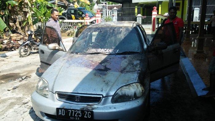 Garasi Terbakar di Wonogiri, Mobil Honda Civic Ferio dan Gerobak Dagang Terpanggang