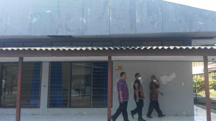 Sekda Kendal Moh Toha meninjau persiapan SKB Cepiring yang akan dijadikan tempat isolasi terpusat, Selasa (22/6/2021).