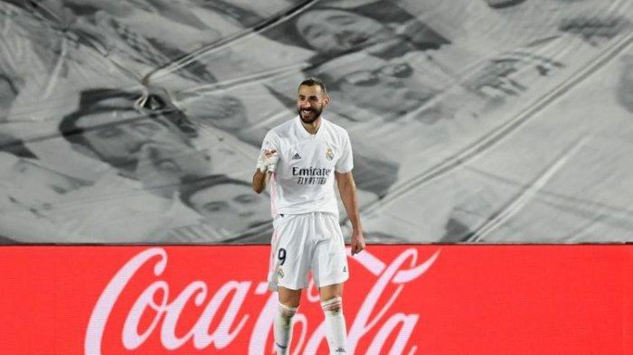 Selebrasi striker real madrid karim benzema usai mencetak gol ke gawan athletic bilbao