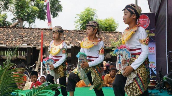 Badan Kesbangpol Jateng Melestarikan Budaya Daerah Melalui Gelar Seni Budaya di Guntur Demak