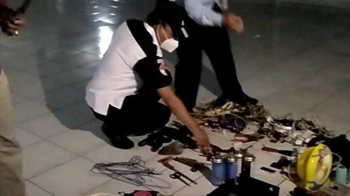 Petugas Sita Senjata Tajam Napi Lapas Semarang
