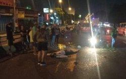 Tabrak Lari di Depan SPBU Kalibanteng Semarang: Becak Motor Terguling, Pengemudi Tergeletak di Jalan