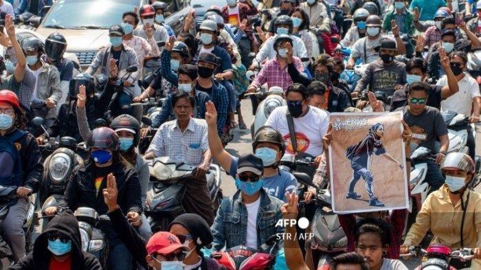 Aparat Myanmar Tembaki Warga Sipil di Upacara Pemakaman 114 Demonstran
