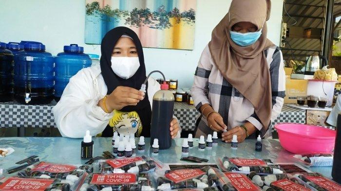 Cerita Pak Budi di Salatiga, Tiap Hari Kirim Ribuan Botol Probiotik untuk Tim Medis Covid-19