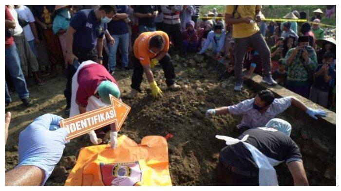 5 Menit setelah Diracun Pacar Gelap, MA Meregang Nyawa Lalu Dikubur di Bawa  Fondasi Rumah