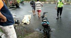 BREAKING NEWS: Pengendara Satria Tewas Kecelakaan Tunggal di Jalan Arteri Soekarno-Hatta Semarang