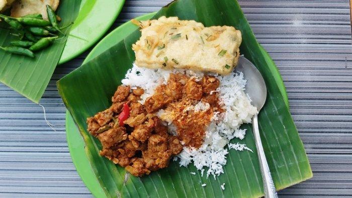 Kuliner Khas Kota Tegal Ponggol Ketan, Sensasi Ketan dan Sambel Goreng Tempe, Di Sini Lokasinya