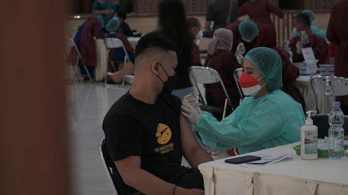 Serbuan Vaksin Tahap Dua: 3000 Orang Antre Vakinasi di UKSW Salatiga