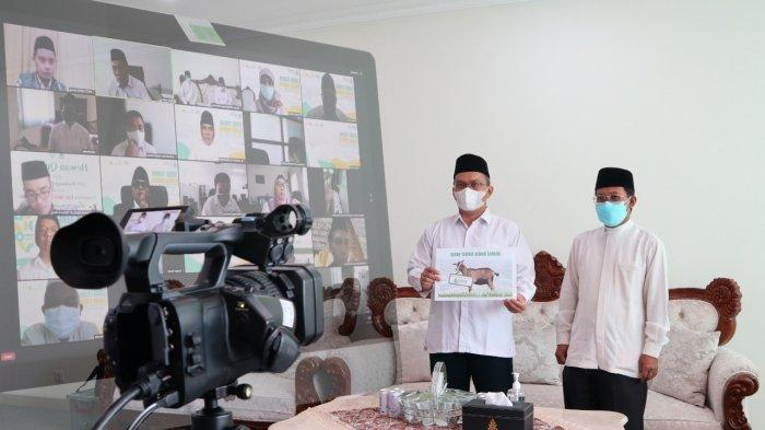 Seremoni penyerahan hewan kurban dilaksanakan secara daring oleh Rektor UIN Walisongo Prof. Dr. H. Imam Taufiq, M.Ag.Senin (19/7/2021).