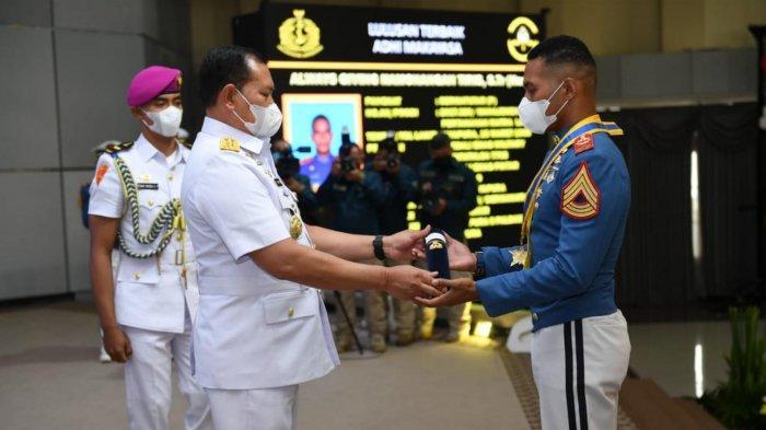 Cerita Sermatutar (P) Always Giving, Anak Juru Parkir Asal Jayapura Raih Gelar Adhi Makayasa AAL