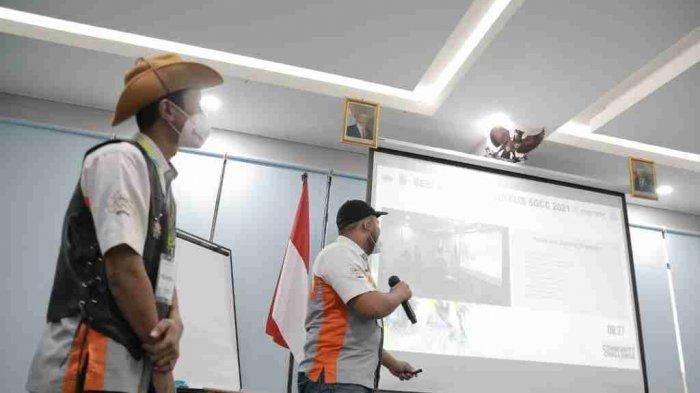 Sesi presentasi dari Komunitas Yamaha Vixion Community Indonesia Chapter Rembang (YVCI-Rembang). YVCI Rembang menjadi juara 1 dalam ajang SGCC pada tahun 2018 lalu. Jumat (04/06/2021).