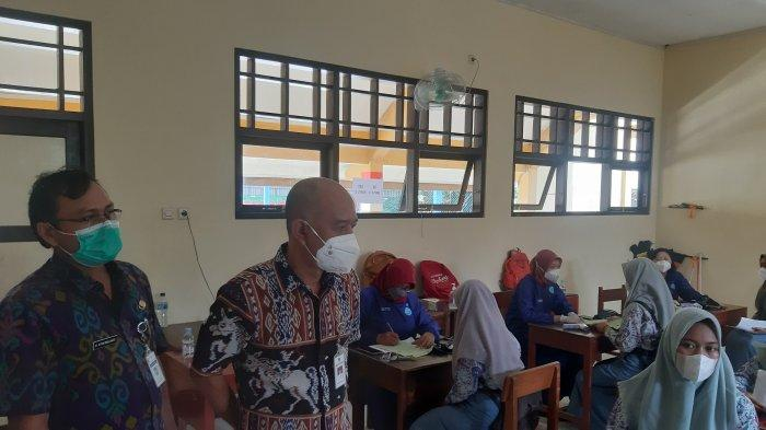 Bupati Jepara Cek Vaksinasi Corona di SMAN 1 Mlonggo