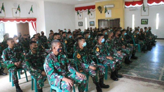 Sharing Komunikasi dan Motivasi di Batatyon Infanteri (Yonif) 405/Surya Kusuma Wangon, Kabupaten Banyumas pada Jumat pagi (19/3/2021), mengundang pakar Komunikasi dan Motivator Nasional Dr Aqua Dwipayana.