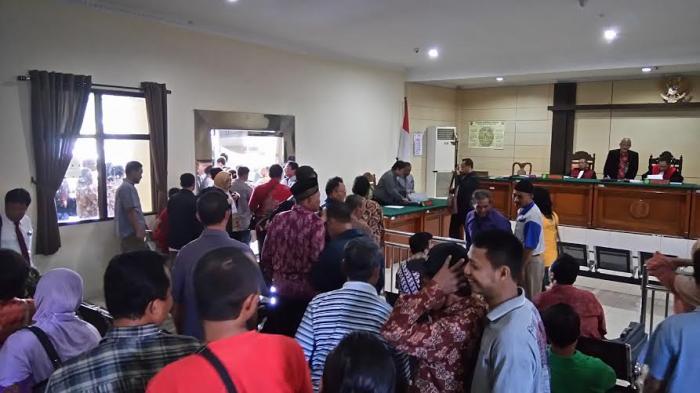 Warga Kebonharjo Kecewa Sidang Perdana di PN Semarang Ditunda
