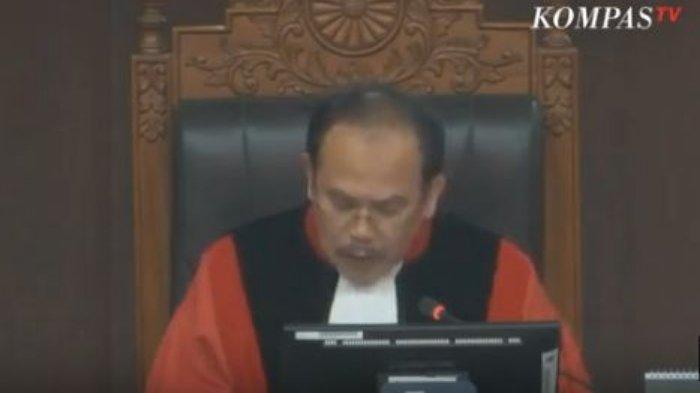 Bacakan Putusan, Hakim MK: Bukti Pemohon di Persidangan Kabur Tidak Jelas