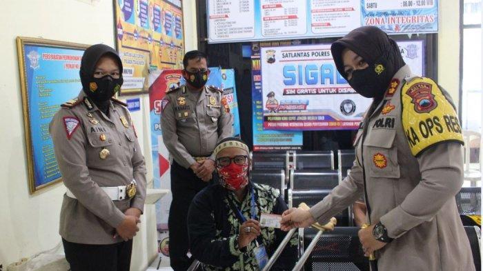 Satlantas Polres Tegal Kota Buatkan SIM Gratis Bagi Disabilitas Fisik