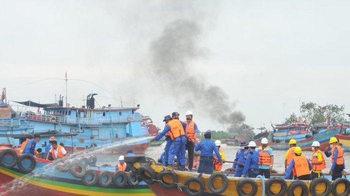 Kemaritiman Juwana Simulasi Kebakaran Kapal
