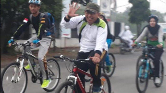 Sinoeng Bersepeda Tinjau Proyek: Sikil Kemeng Sing Penting Ati Seneng