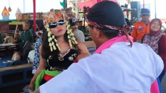 Mizaroh Sebut Tari Sintren Tradisi Pantura Jawa Lambat Laun Akan Punah