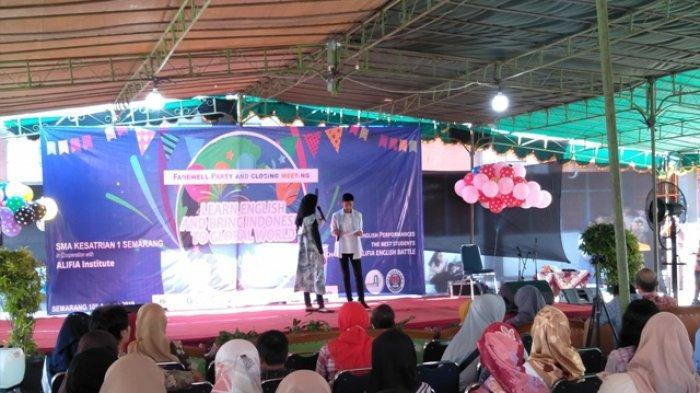 Ingin Jadi Sekolah Bilingual, Para Siswa SMA Ksatrian 1 Semarang Gelar Pentas Seni Berbahasa Inggris